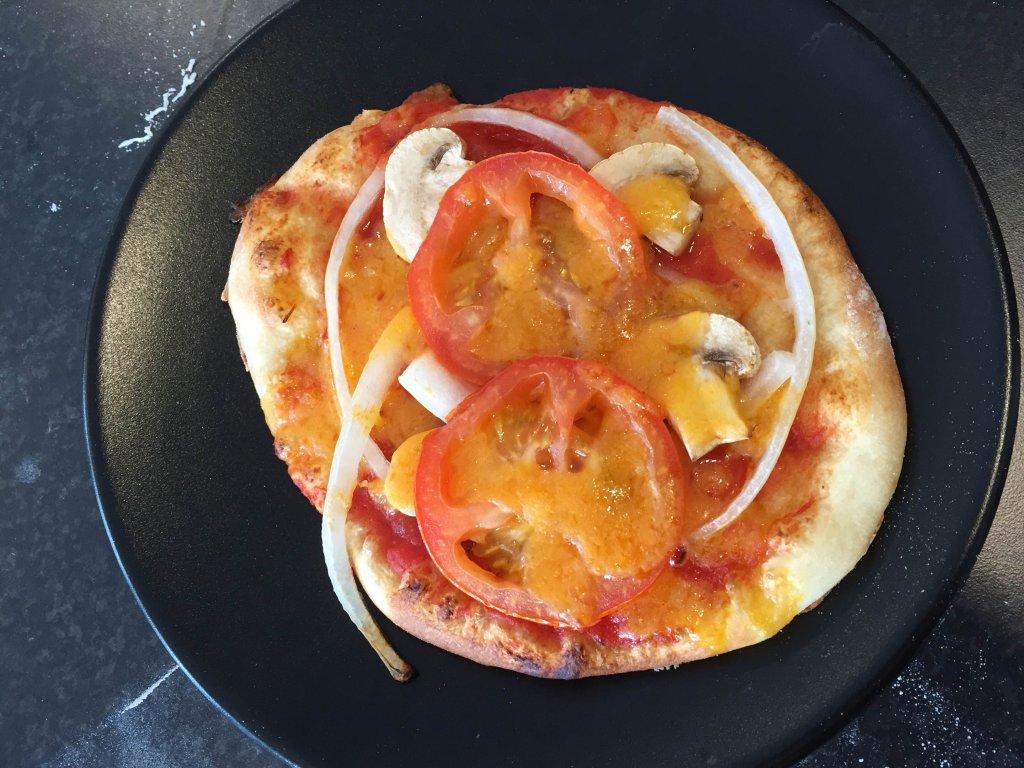 Ama De Casa Seduce vegansk ost på pizza